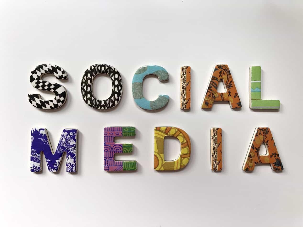 social media w e-commerce